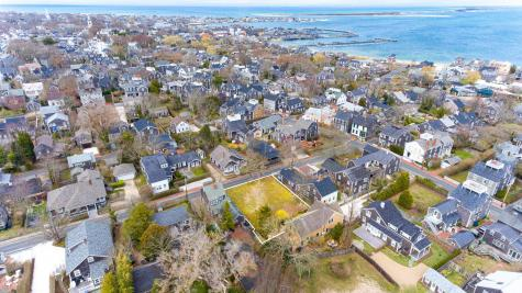 10 York Nantucket MA 02554