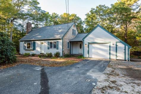 389 Red Brook Mashpee MA 02649