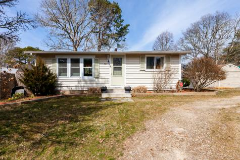 261 Winslow Gray Yarmouth MA 02673