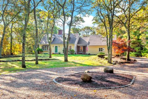 61 Rockledge Falmouth MA 02556