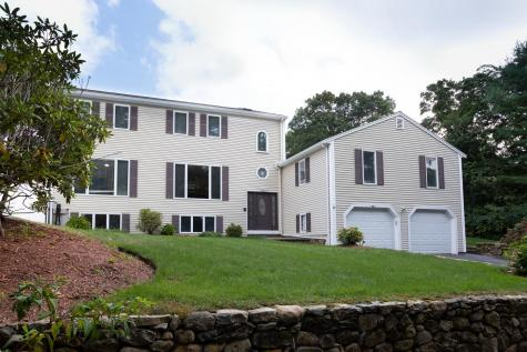 104 Goose Point Barnstable MA 02632