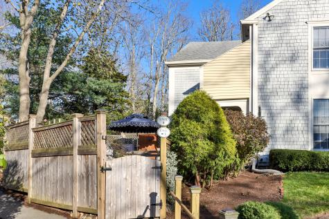 22 Center Orleans MA 02653