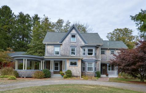 576 Old County Westport MA 02790