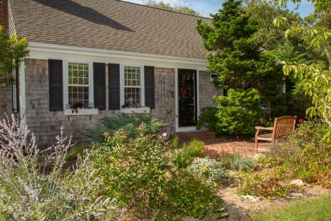 81 Country Club Barnstable MA 02630