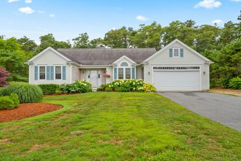 25 Center Mashpee MA 02649