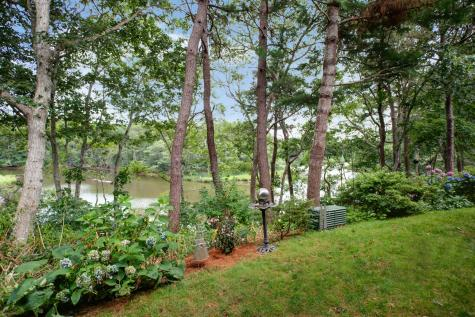 9 Riverview Mashpee MA 02649
