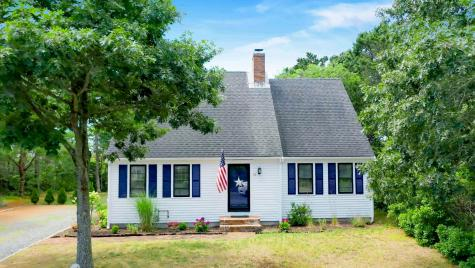 70 Middle Chatham MA 02659