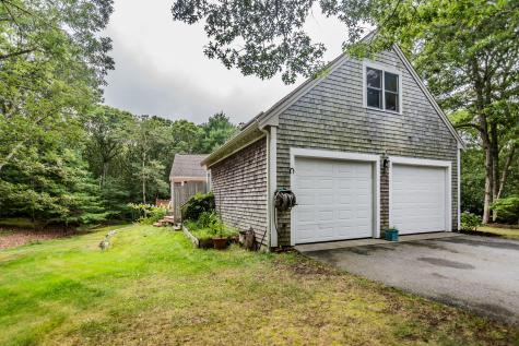 303 Red Top Brewster MA 02631